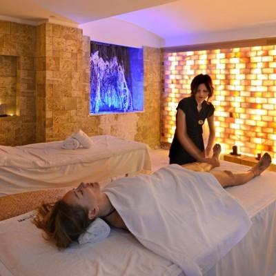 Massaggio nella grotta di sale